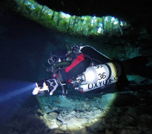 CCR_Rebreather_Cave_Diving_White_Arrow_NT2_Explorer_Technical_Diving_Instructor_Matt_Mandziuk