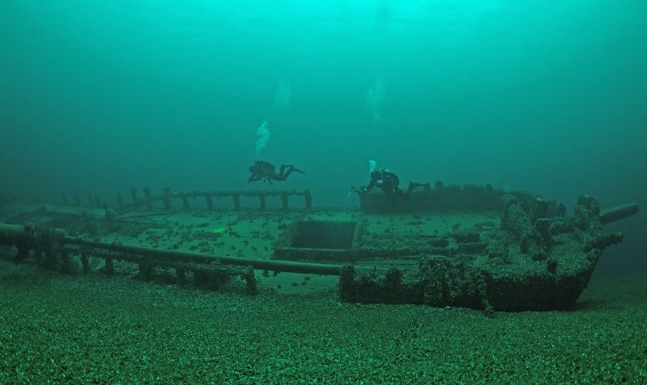 Join us for regular dive charters to the majestic Tiller Shipwreck off of Port Dalhousie in Lake Ontario